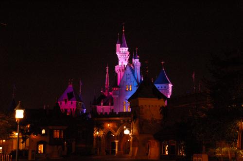 夜晚的城堡有種浪漫的氣氛