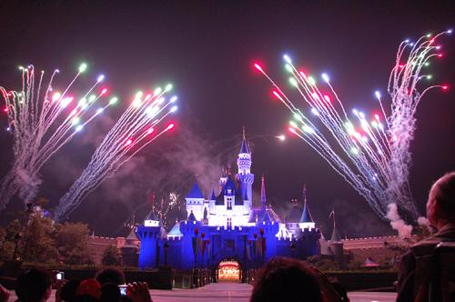 迪士尼星光下的煙火