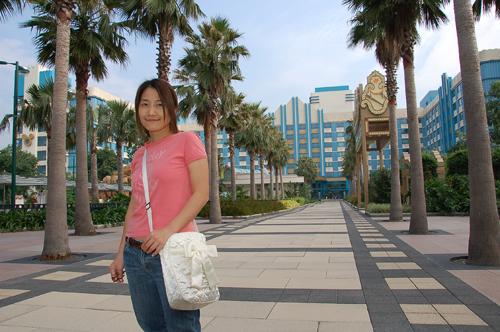 後面就是迪士尼好萊塢飯店