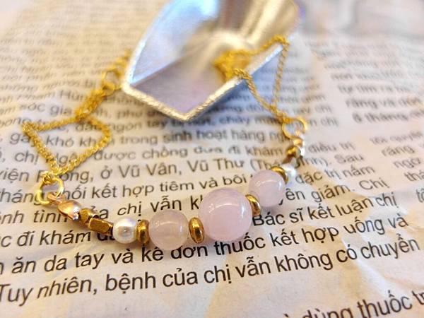 ❤~小女友~❤ 粉水晶黃銅鍊~