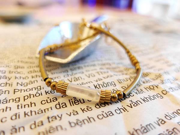 ❤~微光~❤ 天然貝殼黃銅鍊~檔案夾