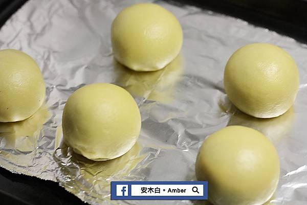 Red-bean-mud-egg-yolk-cake_amberwang_20190601D034.jpg