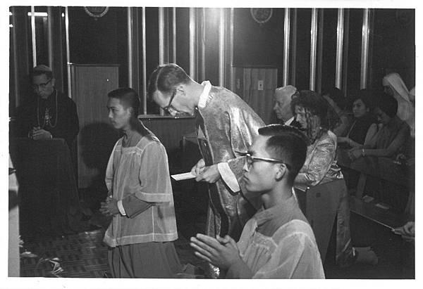 晉鐸後首祭彌撒1967.05.01.jpg