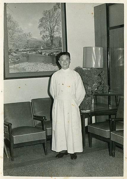 40. 晉鐸後首祭攝於耕莘文教院,于1967年5月1日..jpg