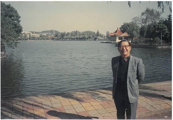 陳神父蕪湖探訪2.jpg