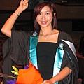 哈哈~好不容易我也能畢業啦~