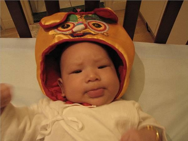 爸爸買的虎頭帽
