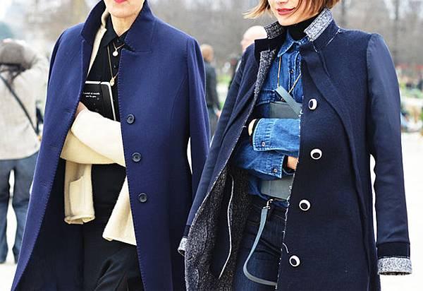 jacket-over-shouldes-trend