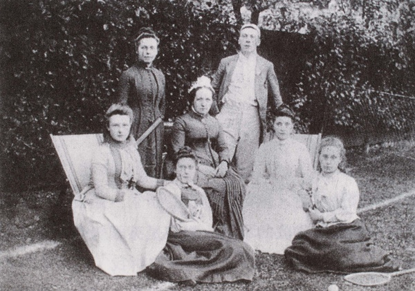 Van Gogh_1876_Tomas Slade-Jones牧師全家福Vincent曾和他們家人住在一起_(0023.280a).JPG