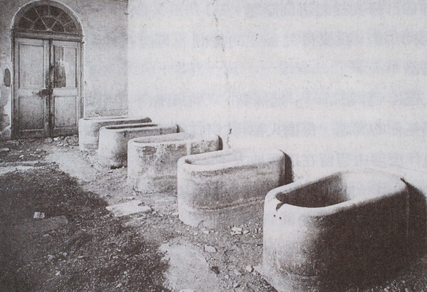 Van Gogh_Saint Remy療養院的浴缸_(0023.115a).JPG