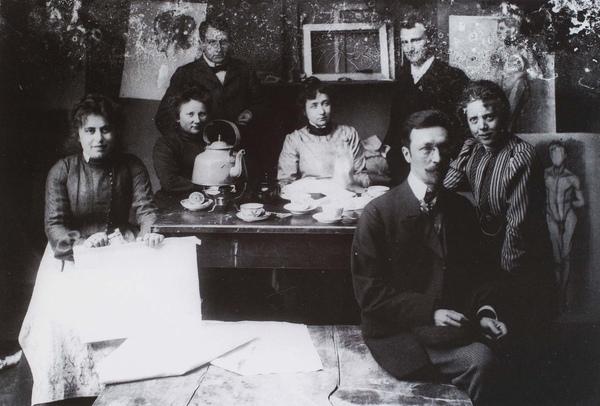 Kandinsky_1902_在慕尼黑與同學合照_(0062.19a.ppt).JPG