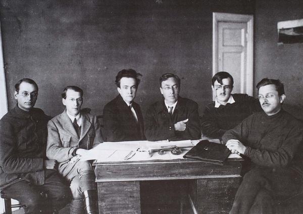 Kandinsky_1918_與Narkompros的會員合影_(0062.33a.ppt).JPG