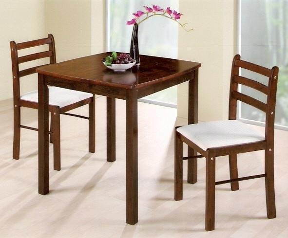 實木一桌二椅組合,三張小朋友有找
