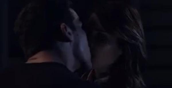 DEL-KISS.png