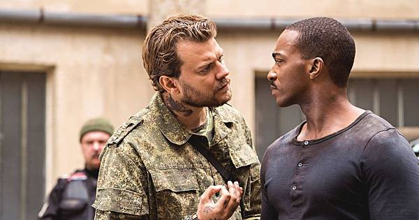 末日激戰 Outside the Wire (Netflix電影) 8.jpg