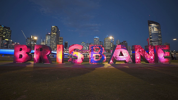 videoblocks-night-view-of-the-g20-brisbane-letters-illuminated-in-red-at-south-bank-in-queensland-australia_b9cdxqhtx_thumbnail-full01.png