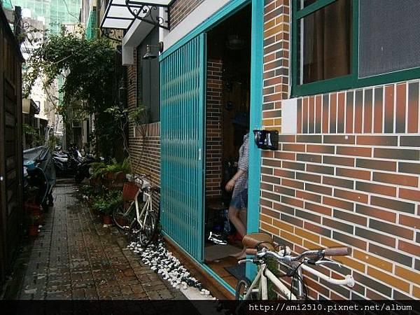 【住】台南市《Leo Ho Hostel》背包客棧