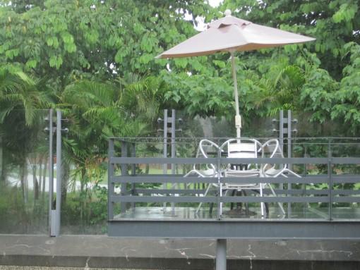 IMG_3693雨中即警2.jpg