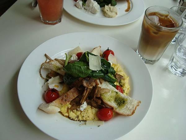 好豐盛的早午餐(大心)