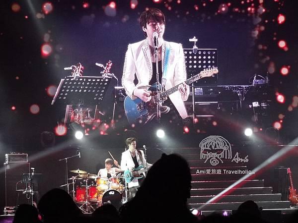 敏鎬公司的師弟樂團
