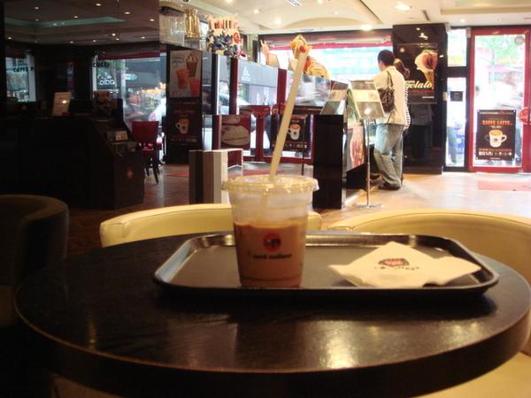 咖啡館殺時間