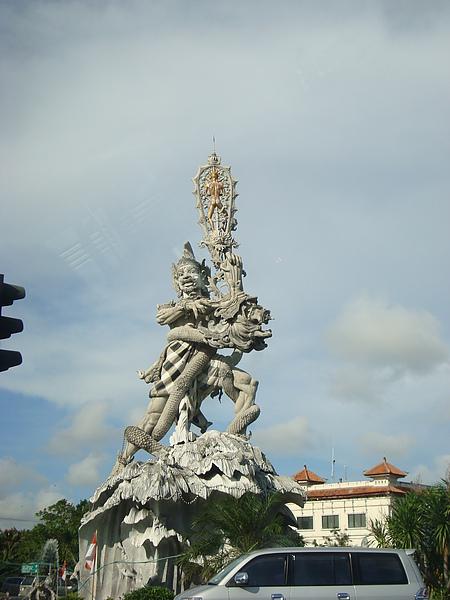 很酷的雕像