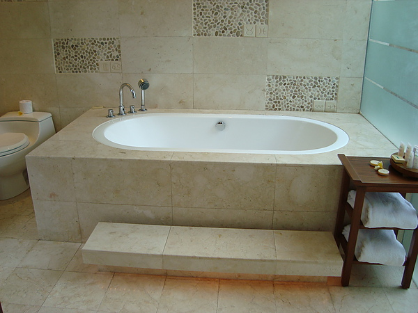 好大的浴缸
