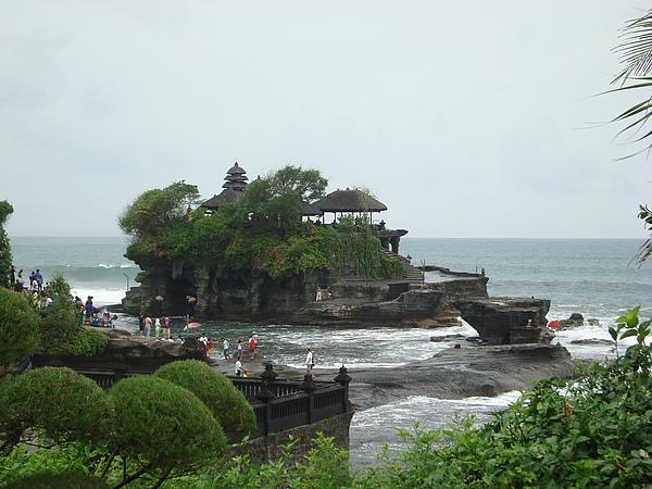 遠觀海神廟