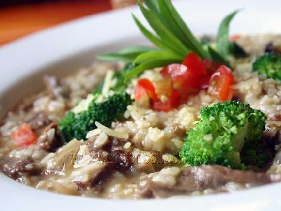 牛肝菌菇牛肉燉飯