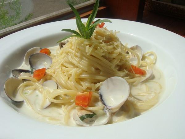 奶油蛤蜊義大利麵.JPG