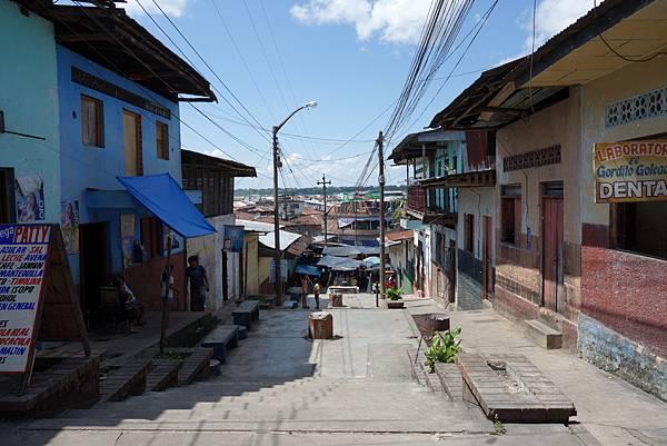 [4/25 Iquitos]market旁看下去是水邊