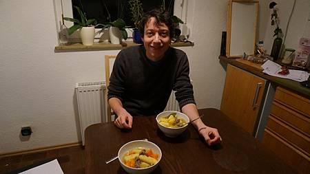 [型男大主廚]超級超級美味的德國特色牛肉湯