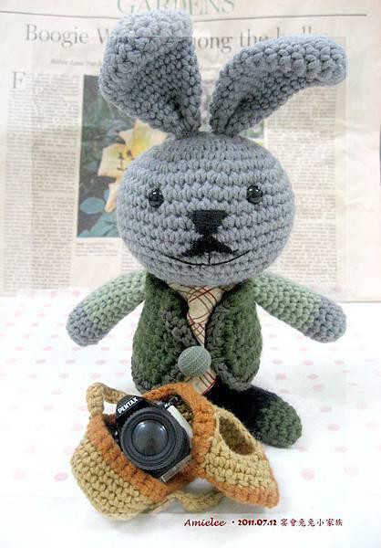 兔拔拔.jpg