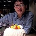 王小鴻-切蛋糕.jpg