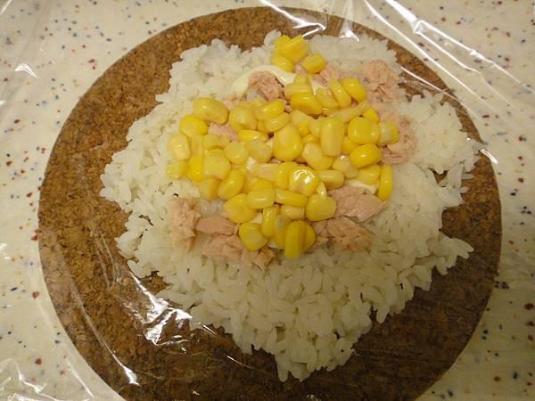 飯糰.鮪魚玉米.JPG