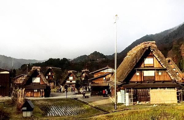合掌村建築陽光景-1.jpg