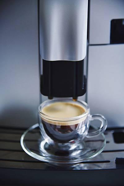 Saeco咖啡機 製作小杯Espresso完成.jpg
