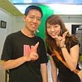 with 吳予