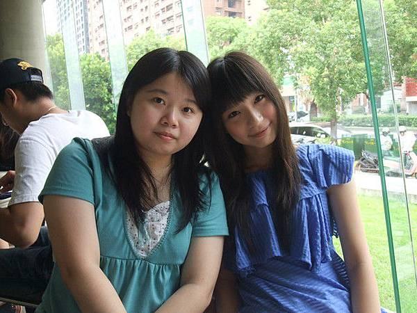 一輩子的好姐妹 :)