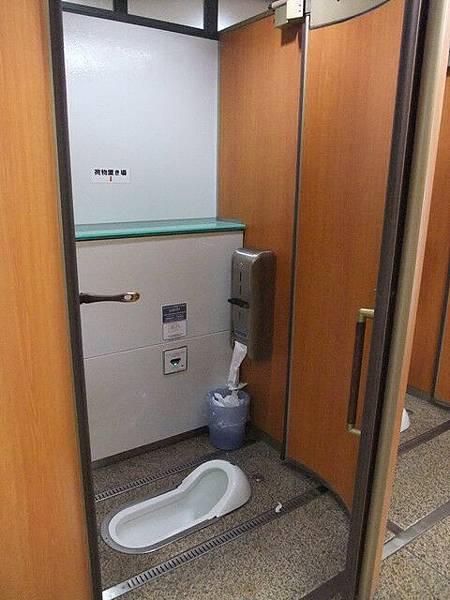 很難得會拍廁所