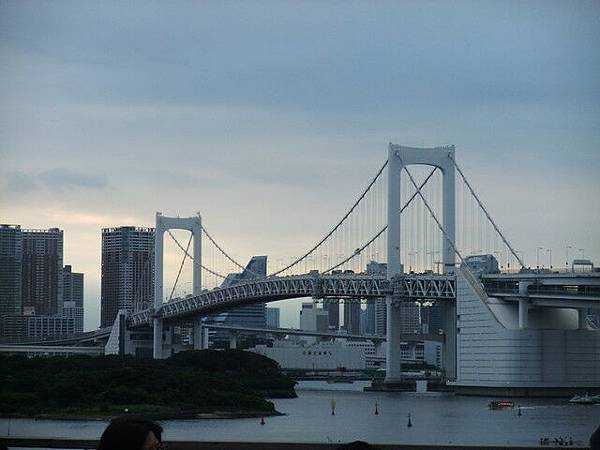 彩虹大橋傍晚景觀