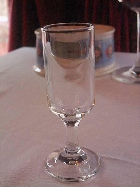 很精緻的小杯子