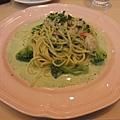 鮮蝦菠菜青醬義大利麵
