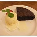 義式巧克力佐香草冰淇淋