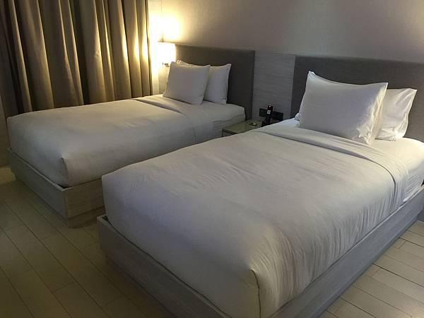 超悲情兩張床