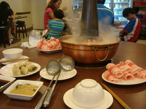 酸白菜鍋和牛肉捲