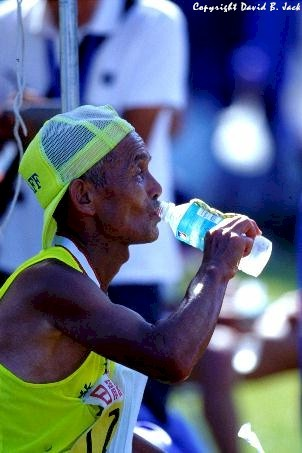 011566_finisher_drinking_water.jpg
