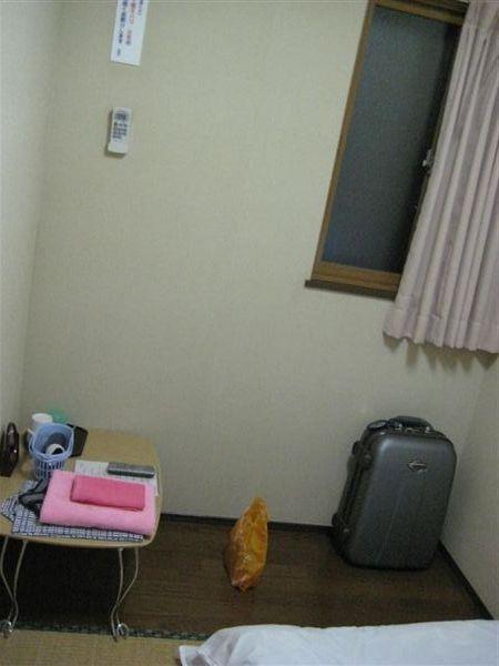 三疊半的個人房(旅館的毛巾和浴巾好親切)