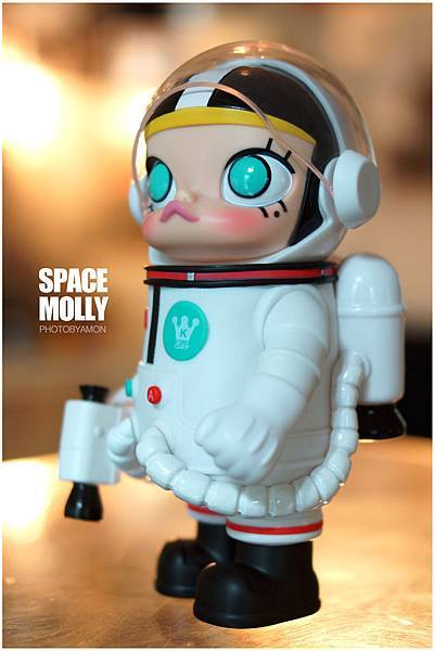 SPACE MOLLY 9