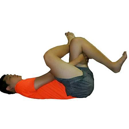 腿後肌伸展躺著.jpg